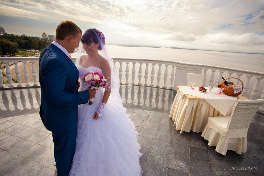 Прически на длинные свадебные фото косы выглядит